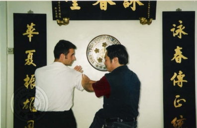 wong-shun-leung-aplica-una-tecnica-a-santi-pascual.jpg
